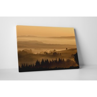 Ködös dombvidék