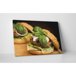 Hamburger bazsalikommal