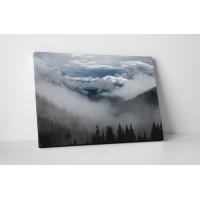 Ködös hegyvidék